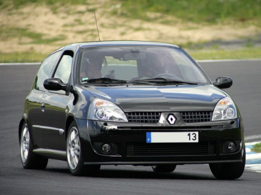 2001 RENAULT CLIO 2.0 Online Average Sale Price HKD$35,286